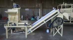 Miniture Thrashing winnowing machine (Wan-uitvrywer kombinasie) mainly used for samples